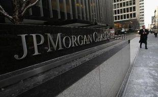 La banque américaine JPMorgan Chase a accepté de verser 1,45 million de dollars pour mettre fin à des poursuites pour harcèlement sexuel, ont annoncé mardi dans un communiqué les autorités américaines.