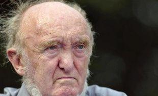 Le généticien et militant de gauche Albert Jacquard est décédé mercredi soir à son domicile parisien (VIe arrondissement) à l'âge de 87 ans, a annoncé jeudi son fils à l'AFP.