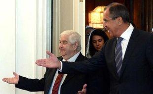 La France a annoncé qu'elle présenterait dès mardi à l'ONU un projet de résolution contenant la menace d'un recours à la force contre Damas, les Occidentaux voulant maintenir la pression après l'offre russe d'une mise sous contrôle de l'arsenal chimique syrien.