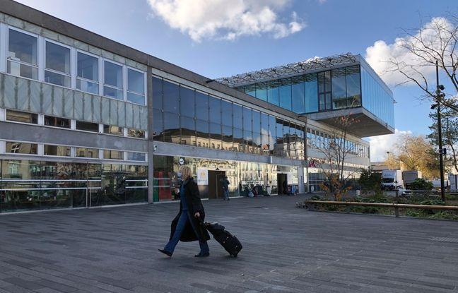 Le parvis nord de la nouvelle gare de Nantes.