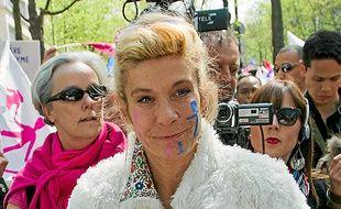 Frigide Barjot envisage de présenter  des listes aux municipales de 2014.
