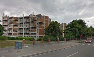 Une femme est tombée du 4e étage de cet immeuble, à Lille.
