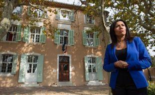 Marseille le 14 octobre 2013 - Samia GHALI est arrivee en tete du premier tour des primaires socialistes . Elle repond a la presse depuis sa mairie du 15 et 16 e arrts