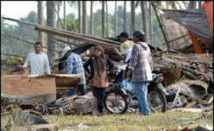 Environ 1.500 sauveteurs avaient été déployés pour tenter de localiser des blessés et rechercher les cadavres, a indiqué Agus Sutrisno, responsable des secours dans le district de Ciamis.