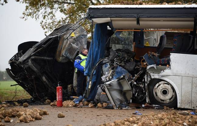 Dramatique accident entre un car scolaire et un poids lourd près d'Arras.