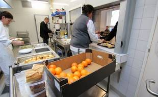 Le restaurant social Leperdit, à Rennes, qui accueille des sans-abri.