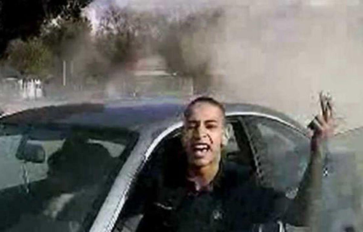 Mohammed Merah, l'auteur présumé de sept assasinats à Toulouse et  Montauban, dans une vidéo diffusée sur France 2 le 21 mars 2012. – FRANCE 2 TV/SIPA