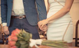 Certaines circonstances permettent de se marier hors de la mairie.