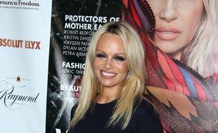 L'actrice et activiste Pamela Anderson à Santa Monica