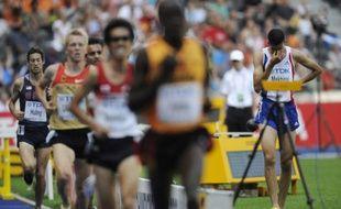 Le Français Mahiedine Mekhissi-Benabbad abandonne sur 3000m steeple dès les séries des championnats du monde à Berlin, le 16 août 2009