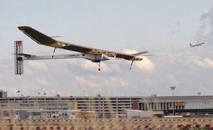 L'avion Solar impulse n'a pas réussi le 11 juin 2011 à rallier les aéroports de Bruxelles et du Bourget, à cause du mauvais temps.