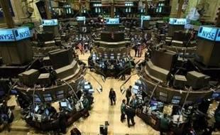 La Bourse de New York a ouvert lundi à l'équilibre, alors que le pétrole poursuivait sa course aux records, passant pour la première fois les 143 dollars le baril: le Dow Jones gagnait 0,22% et le Nasdaq perdait 0,04%.