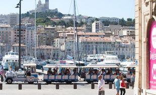 Illustration de Marseille eb Provence-Alpes-Côte d'Azur.
