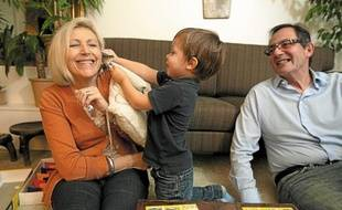 Françoise et François veulent «développer une complicité qui traverse le temps» avec leur petit-fils Joseph, 3 ans.
