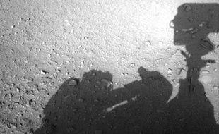 Le rover Curiosity a-t-il photographié un homme sur Mas?