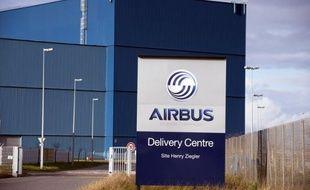 Airbus a annoncé jeudi avoir engrangé 410 commandes nettes (après 21 annulations) pour les trois premiers mois de l'année, soit 248 appareils de plus qu'à fin février grâce à une commande historique passée en mars par la compagnie indonésienne à bas coûts Lion Air.