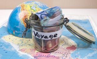 Plusieurs dispositifs permettent aux ménages les plus précaires de partir en vacances à moindre coût.