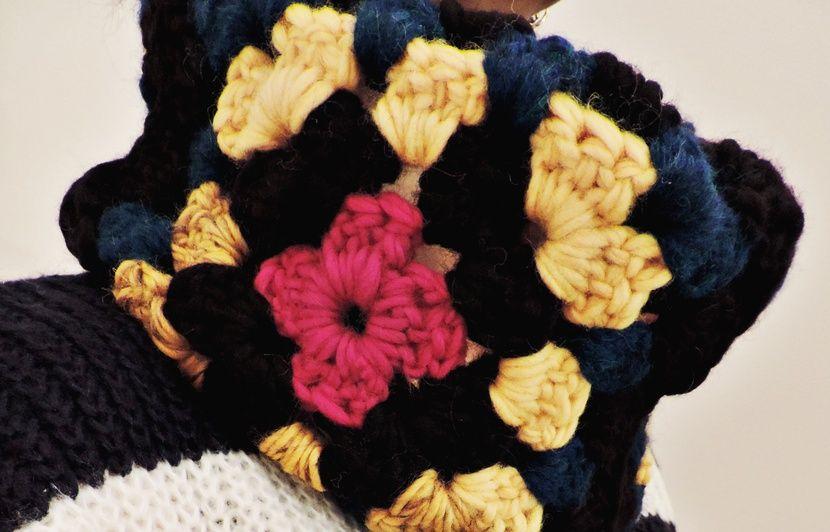 VIDEO. DIY  Comment réaliser un snood en crochet c098f2f8e5c