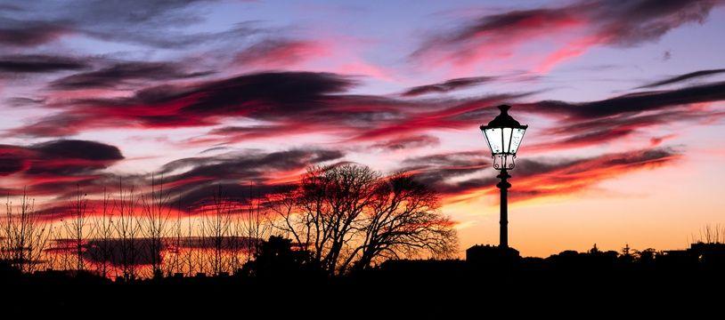 A Sens-de-Bretagne, les lampadaires seront éteints chaque nuit jusqu'au 31 août.