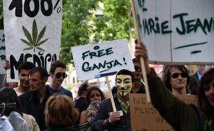 Une manifestation pour la légalisation du cannabis, à Marseille.