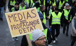 Dans le cortège d'une manifestation des «gilets jaunes», le 12 janvier 2019, à Paris.