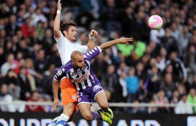 Olivier Giroud (Montpellier, à gauche) et Aymen Abdennour (Toulouse, à droite), lors du match du 27 avril 2012.
