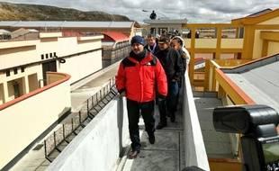 Le ministre de l'Intérieur du Pérou, José Luis Pérez Guadalupe, à l'inauguration d'une prison à 4.100 m d'altitude.