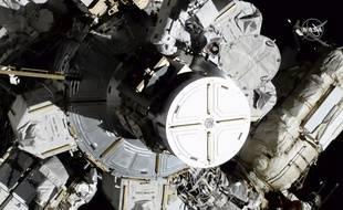 Vendredi 18 octobre, les astronautes américaines Christina Koch et Jessica Meir sont sorties de la Station spatiale internationale pour effectuer une réparation. C'est la première fois que deux femmes mènent une sortie dans l'espace.