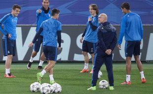 Cristiano Ronaldo et les Madrilènes à l'entraînement à Rome le 16 février 2016.