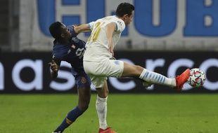 Un duel lors de OM-Porto