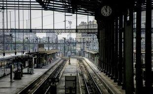 Les rails déserts de la gare de Lyon le 15 juin 2014 à Paris