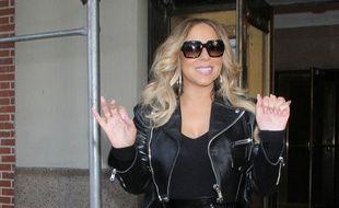 La chanteuse Mariah Carey dans les rues de New York