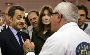 Nicolas Sarkozy se rend ce mardi à 6H00 au marché d'intérêt national de Rungis pour y rencontrer des grossistes et des commerçants qui s'y approvisionnent chaque jour.