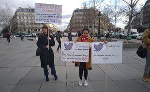 SOS Racisme affiche de véritables tweets racistes Place de la République à Paris