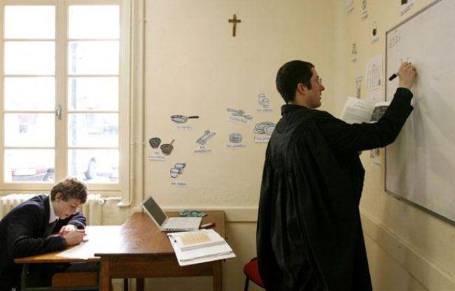 Un enseignant au collège privé de Chavagnes, le 24 avril 2008