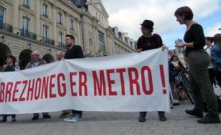 """Les membres du collectif """"Brezhoneg e Bro Roazhon"""" ont mené une action ce mercredi à la station République"""