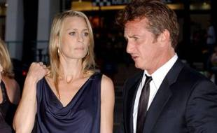 - Sean Penn and wife Robin Wright Penn - Film Premiere of Into the Wild, Los Angeles, USA - 18/0//200