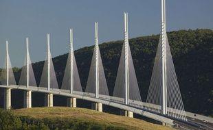 Le viaduc de Millau est protégé par le nouvel amendement des sénateurs sur la liberté de panorama.
