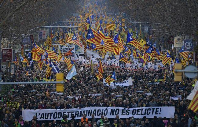 nouvel ordre mondial | Catalogne: Plus de 200.000 manifestants défilent à Barcelone contre le procès des 12 indépendantistes