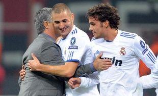 Ses deux passes décisives en quatre jours, et notamment celle de mercredi en Ligue des champions contre l'AC Milan (2-2), peuvent redonner le sourire à un Karim Benzema plus souvent décrié qu'adulé ces derniers temps: et si le Français du Real Madrid avait enfin compris les exigences de José Mourinho ?