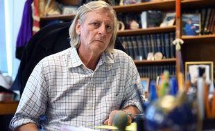 Didier Raoult, ici en 2014 dans son bureau à la faculté de Marseille.