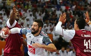 Le Français Nikola Karabatic (au centre) en finale du championnat du monde de handball, le 1 février 2015