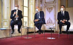 Jean Castex, Jean-Michel Blanquer et Olivier Véran ont appelé à la vigilance contre le coronavirus, ce jeudi à Matignon.
