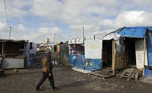 Dans le camp de migrants  de Calais.