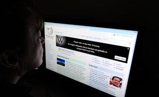 Wikipédia sera hors-ligne pendant 24 heures le 18 janvier 2012 pour protester contre le projet de loi SOPA.