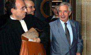 Michel Giraud (à droite), à Paris, le 26 octobre 2005.