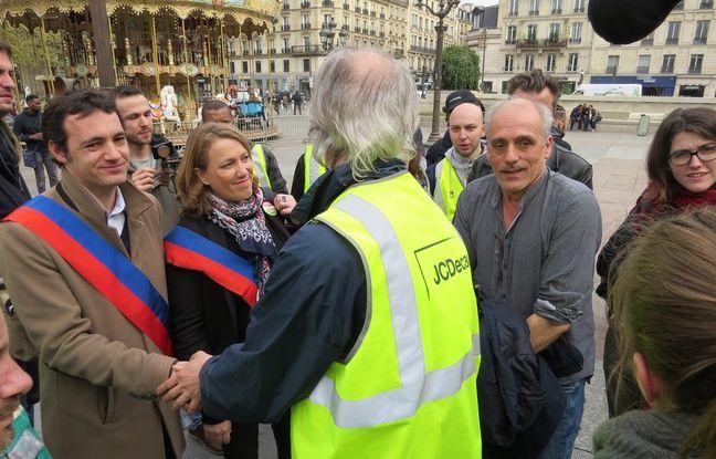 Philippe Poutou (NPA) et des élus parisiens sont venus apporter leur soutien