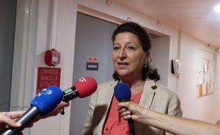La ministre de la Santé Agnès Buzyn, ici le 19 juillet à La Rochelle, a annoncé lundi 2 septembre une nouvelle salve de mesures pour calmer la colère des urgentistes.
