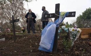 Dans un cimetière de Buenos Aires, le 13 juillet 2021.