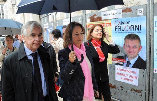 Ségolène Royal après son vote à La Rochelle au premier tour des élections législatives le 10 juin 2012.